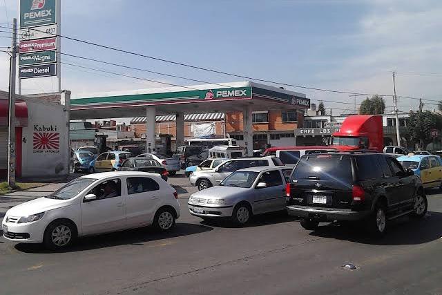 Asaltan en Texmelucan a clientes y empleados de gasolinera