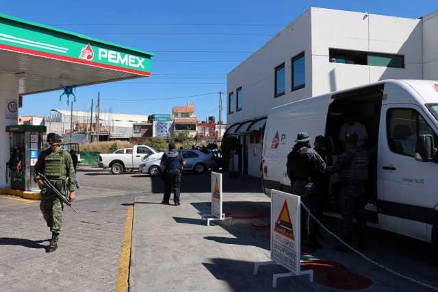 Suman 3 gasolineras cerradas a gasolinero detenido en Puebla