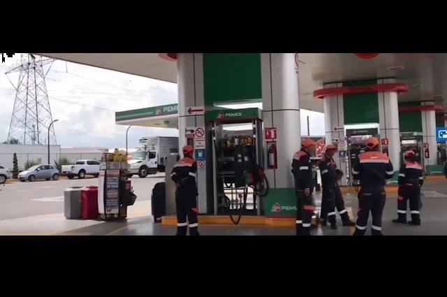 Por crisis del petróleo, litro de gasolina se vende hasta en 16 pesos