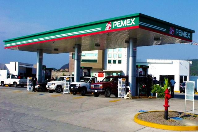 Ni con más refinerías bajarían los precios de las gasolinas