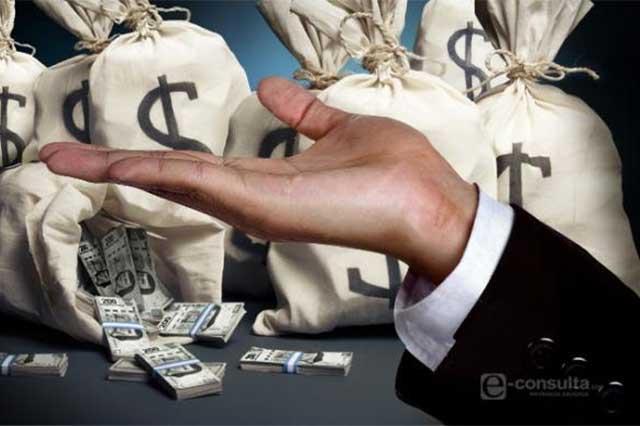 Gastó gobierno en salarios 7 veces más que en inversión pública
