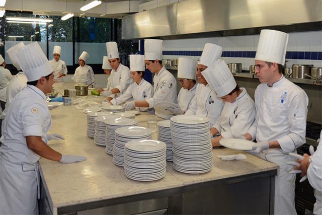 Universidad Anáhuac, la mejor para estudiar turismo y gastronomía