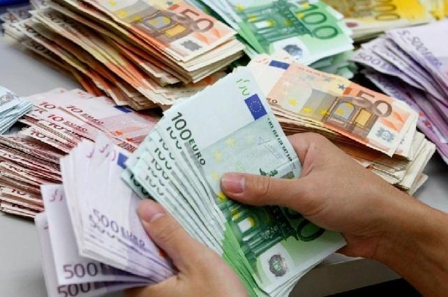 Italiano gay lucha por sus derechos y lo indemnizan con 100 mil euros