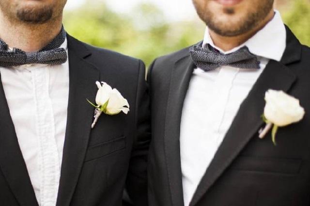 Se casa la primera pareja gay de mexicanos en el exterior