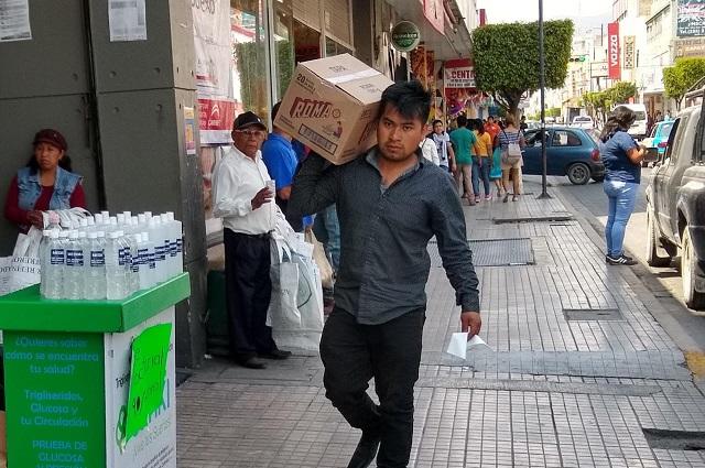 Gel antibacterial de dudosa procedencia causa alerta en Tehuacán