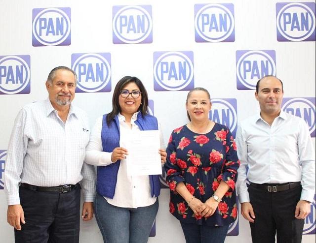 Genoveva Huerta hace oficial aspiración para dirigir al PAN