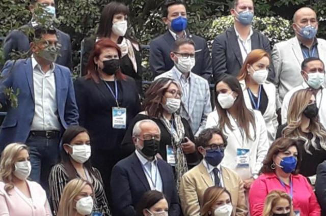 Va Genoveva Huerta a reunión del PAN sin cuidado post covid
