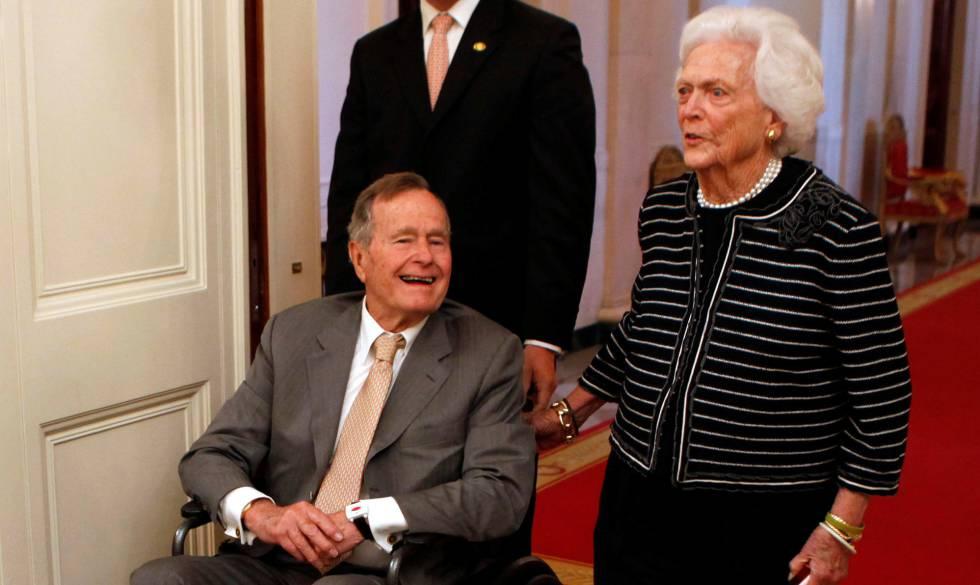 George Bush, en terapia intensiva y su esposa va a observación