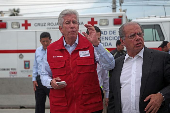 Legisladores exigen renuncia de Ruiz Esparza tras tragedia del Paso Exprés
