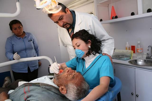 Colapsaría déficit de geriatras al sistema de salud en Puebla