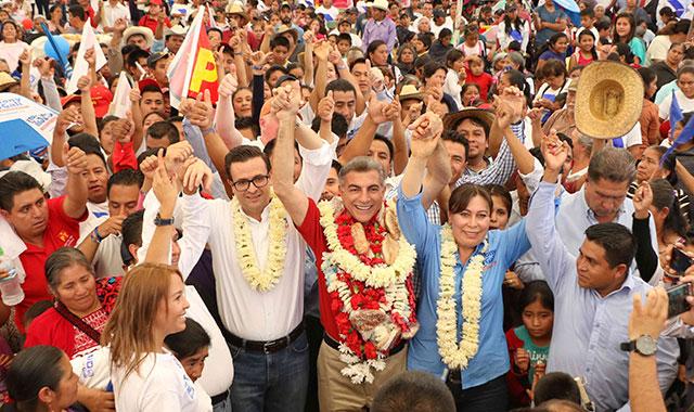 Se compromete Antonio Gali a fortalecer el comercio en Hueyapan