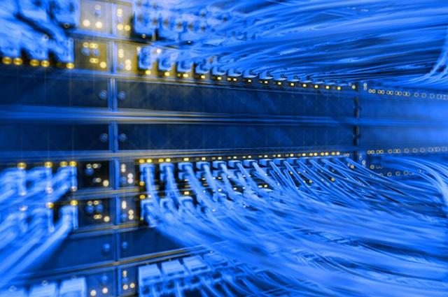 Megacable compra a Axtel red de fibra óptica y 55 mil suscriptores