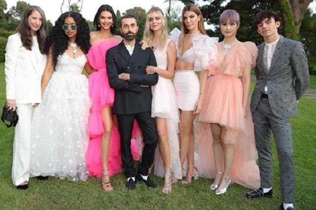 ¿Quién es el diseñador del vestido de novia de Carlota Casiraghi?