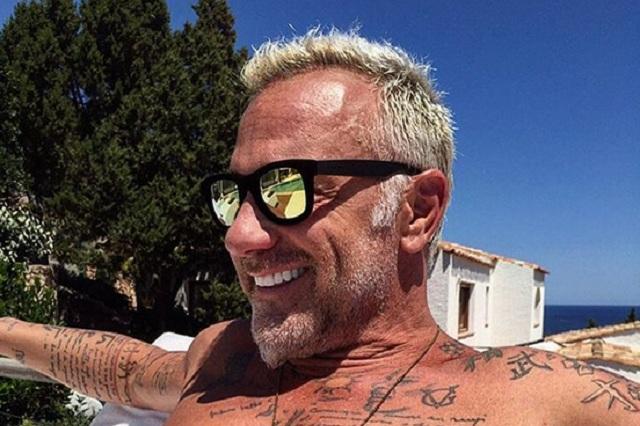 Italiano de 49 años derrocha vigor y presume a su escultural esposa