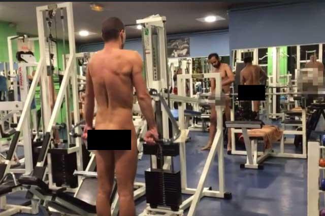 Al gimnasio desnudos: Invitan en París a hacer ejercicio sin ropa