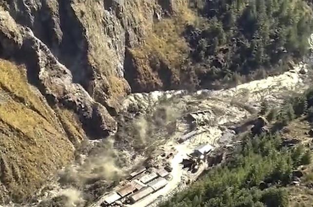 Se rompe glaciar en el Himalaya; hay cientos de desaparecidos