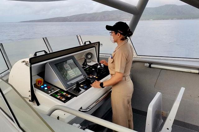 Gloria Cházaro, la primera mujer en comandar un buque de la SEMAR
