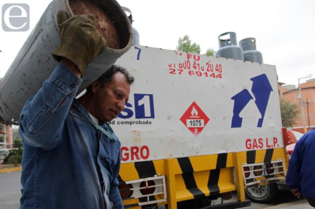 Llega a $500 tanque de gas de 20k en Puebla pese a tope de precios