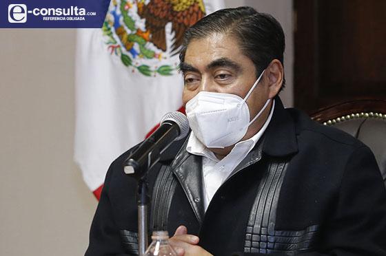 Aprovecha Barbosa Huerta permiso y habla casi todos los días de política