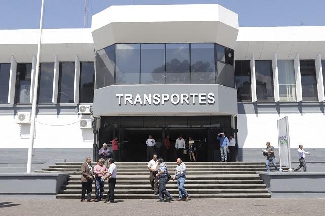 Evade subsecretario de Transportes explicar sanción que recibió de ASF