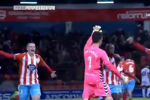 VIDEO Portero humilla a arquero rival con gol desde más de media cancha