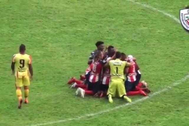 Mexicano Luz Rodríguez enloquece Venezuela por este gol