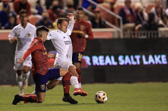 'Chicharito' llega a 12 goles con el Galaxy, pero caen ante Salt Lake