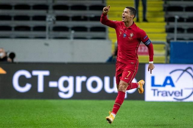 CR7 logra su gol #100 con Portugal con disparo al ángulo