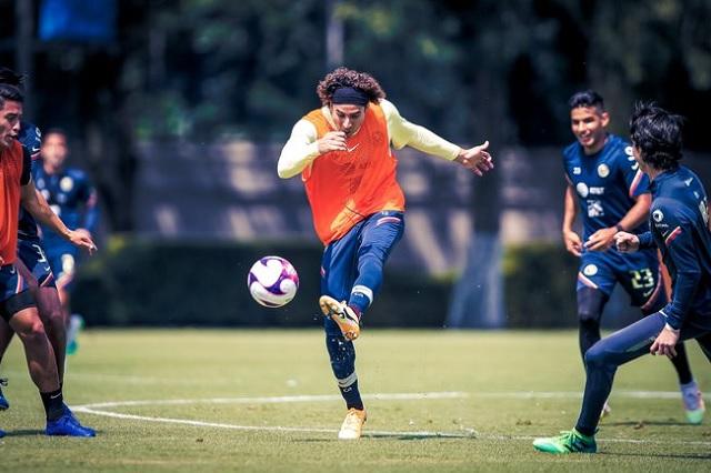 Ochoa marca un golazo en entrenamiento con América