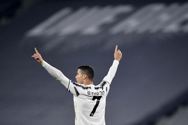 De fuera del área, así fue el primer golazo de Cristiano Ronaldo en Champions