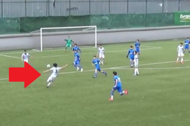 Video: Juvenil del Besiktas anota 'gol imposible' desde fuera del área