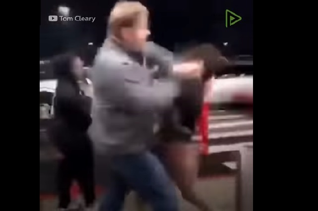 Graban el brutal golpe de un hombre a una niña de 11 años