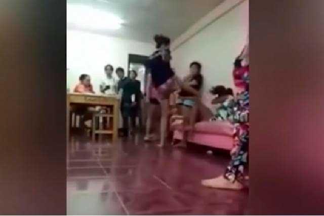 Brutal venganza esposa experta en muay thai ataca a patadas a amante e 2019 - Un hombre casado vuelve a buscar a su amante ...