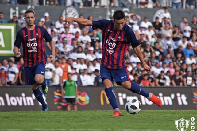 Con 14 años marca gol en la primera división de Paraguay