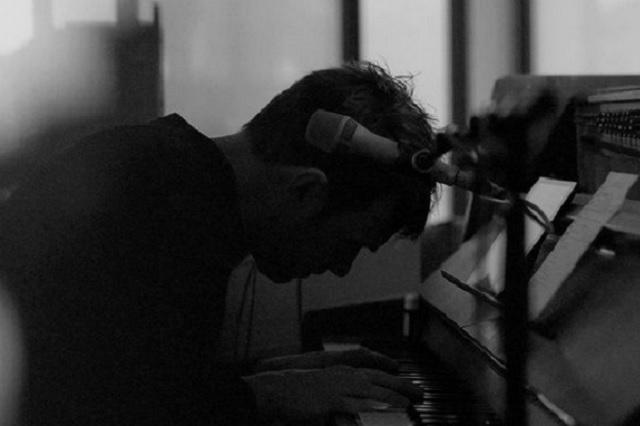 Damon Albarn anuncia colaboración con Bad Bunny