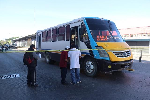 Hombre se suicida en microbús de la ruta Galgos del Sur, en Puebla