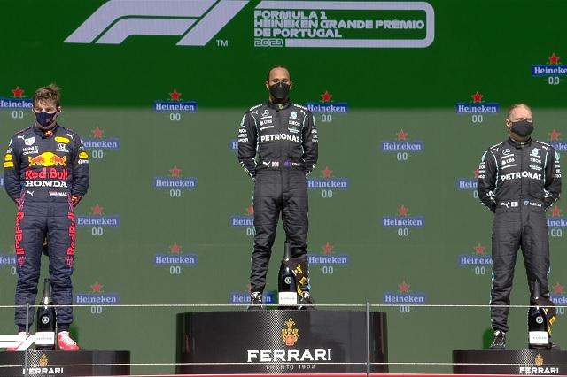 Lewis Hamilton conquista el GP de Portugal; Checo queda cuarto