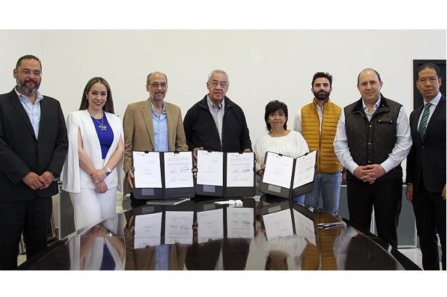 Firman convenio para reconstruir inmuebles dañados en Puebla