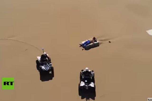 Drones graban detención de turistas que no respetan cuarentena