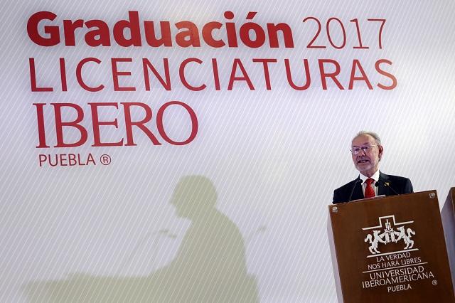 Llaman a egresados de Ibero Puebla a ser incorruptibles
