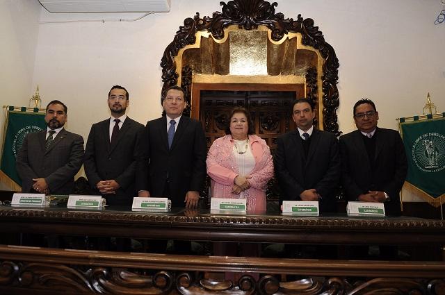 Se gradúan de Maestría y Doctorado en la Escuela Libre de Derecho Puebla