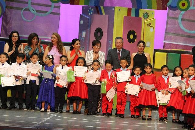 Concluyen cursos 75 niños de estancias infantiles del ISSSTEP