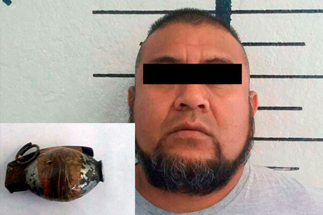 Detienen a expolicía con una granada en San Pedro Cholula