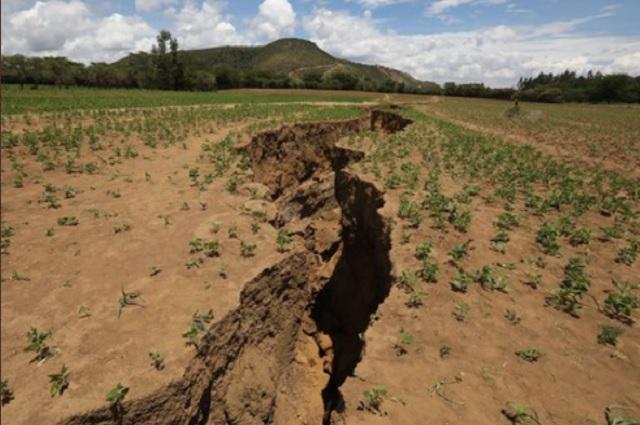 Expertos explican origen de la grieta que se creó en África