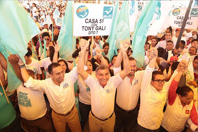 Gali ofrece detonar el crecimiento económico de Tlahuapan