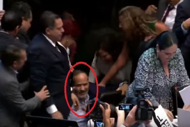 Senadoras tiran a Gustavo Madero en toma de protesta de Rosario Piedra