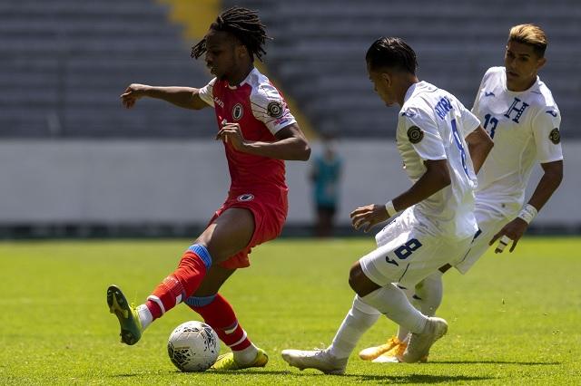 Incompletos y sin portero; Haití debuta en Preolímpico con 10 jugadores