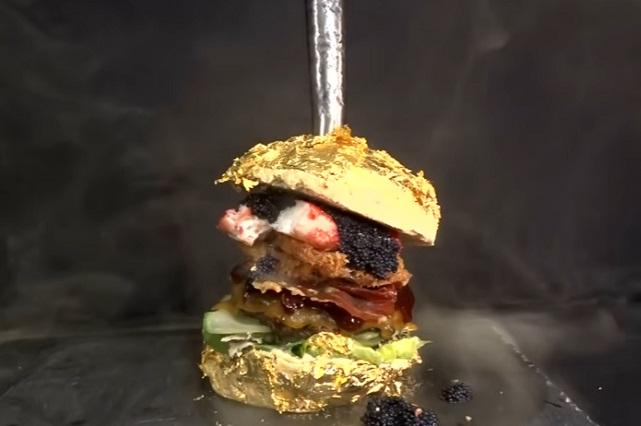 ¿Cuánto cuesta la hamburguesa más cara el mundo y que contiene?
