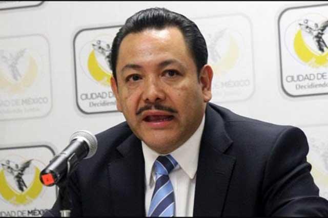 Intercambian acusaciones Héctor Serrano y Roberto Rock