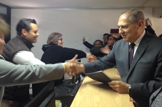 Se apunta en el Congreso Héctor Jiménez para gubernatura interina